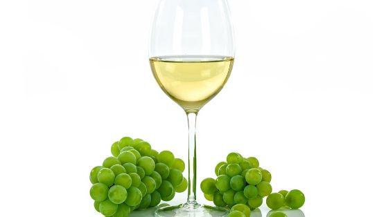 vino bianco della casa